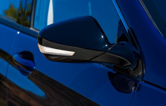 Señalizadores en espejos retrovisores